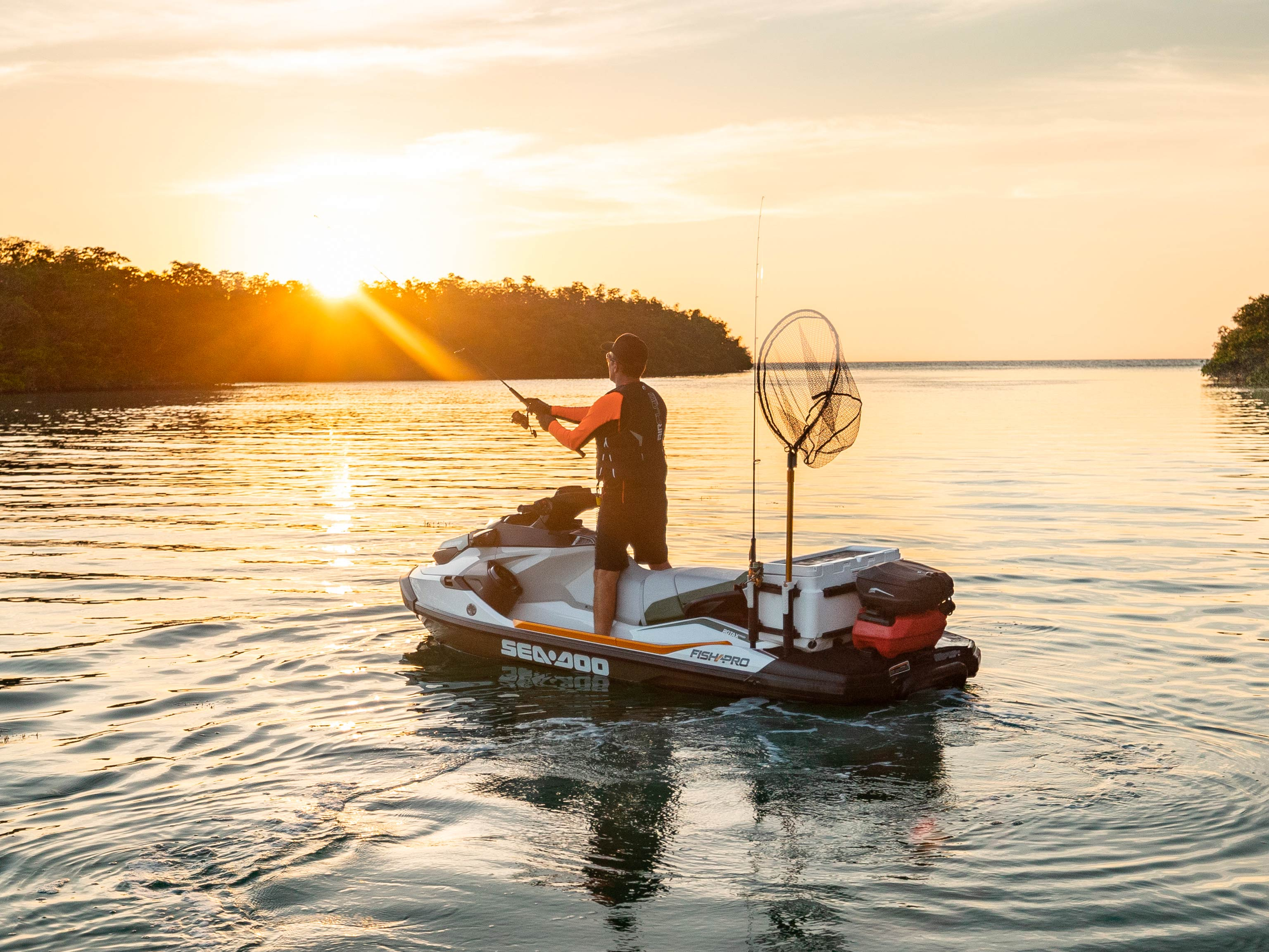 pesca deportiva en sea-doo fish pro moto de agua